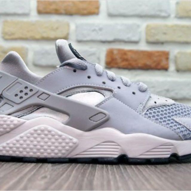 Nike Air Huarache 男子武士跑鞋 (灰) 318429-014 (2900元) sz10、11出清