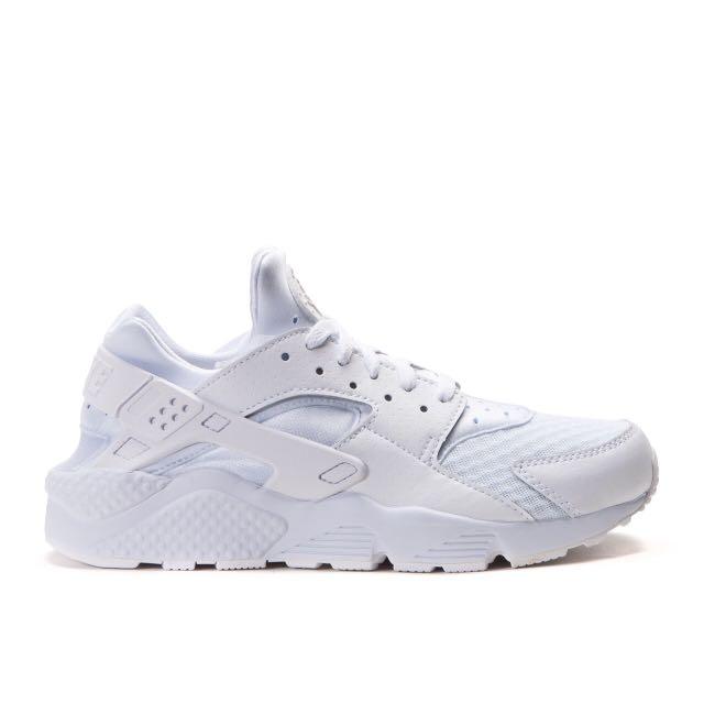 Nike Air Huarache 男子武士跑鞋 (白) 318429-111 (2900元) sz8.5、10、10.5、11出清