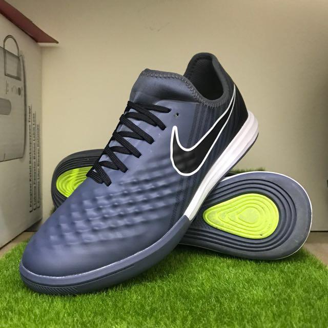 3f8e85ec501a Nike MagistaX Finale II IC