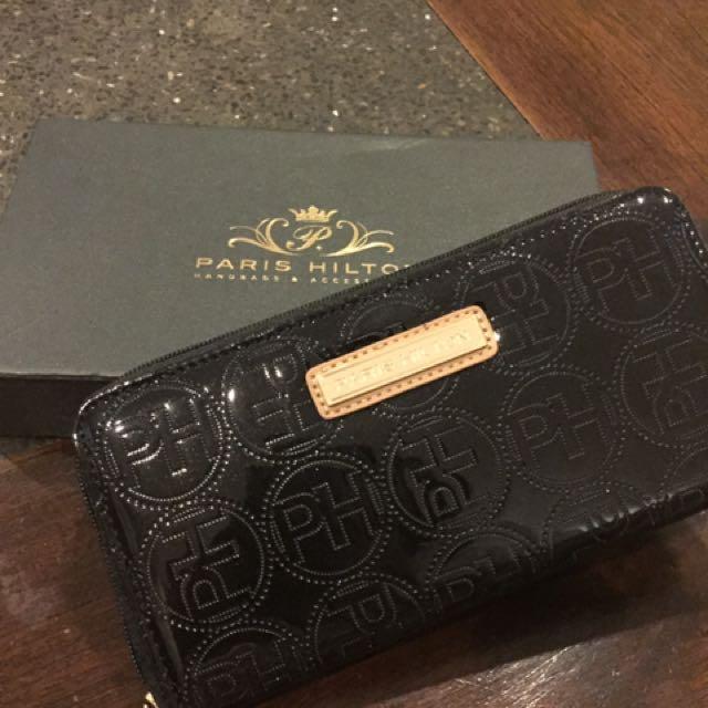 Paris hilton wallet black