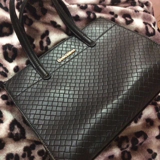 Polo Villae Black Bag, Women s Fashion, Bags   Wallets on Carousell 6e087218f1