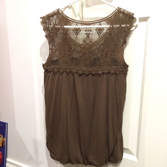 Preowned blouse body n soul size S