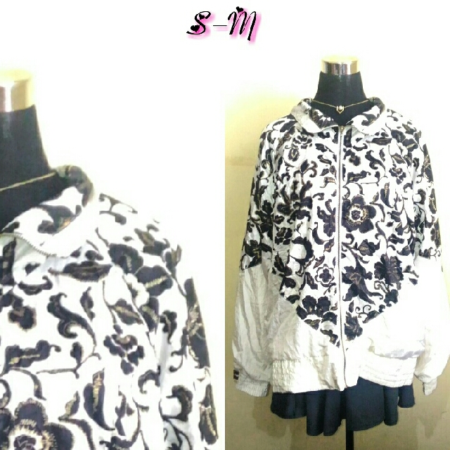 printed white jacket