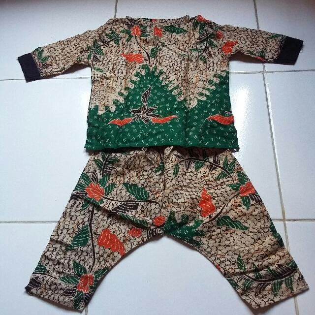 setelan batik0-12m