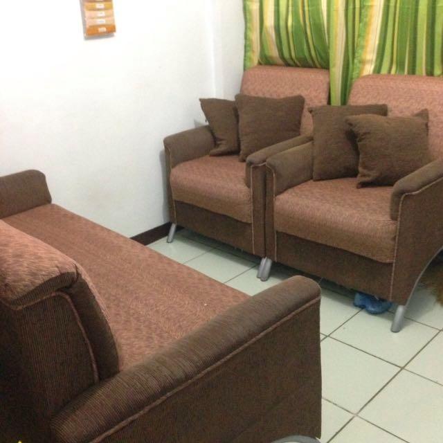Sofa set with 4 pillows