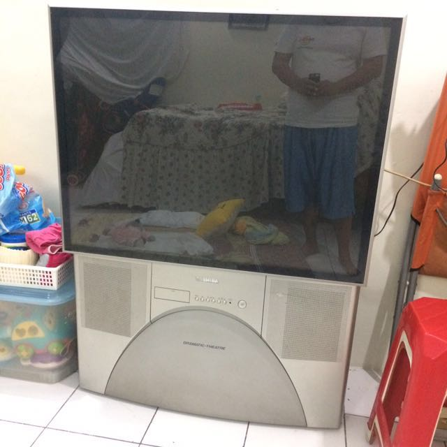 TV 42 inch dramatic theather tv proyektor