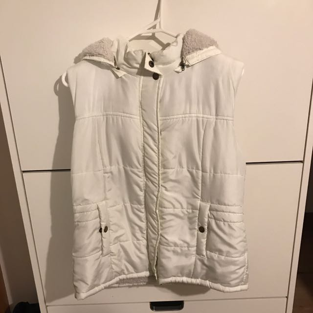 White vest with hoodie