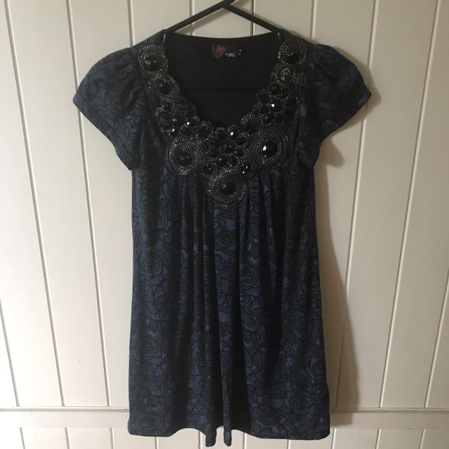 Yumi size small dress