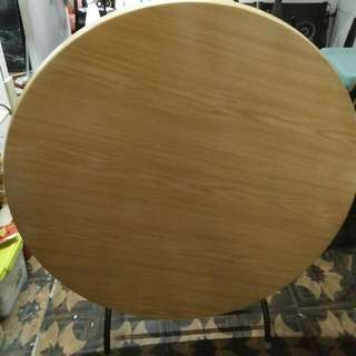 Round Table & Banquet Chair (Urgent)