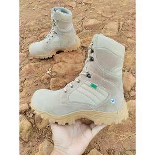 Sepatu kulit boots pria camel safety sepatu proyek 07b30757a5