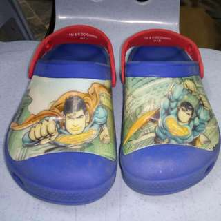 ORIGINAL CROCS,SUPERMAN. SIZE(S13)24CM 8.5/10 STILL IN GOOD CONDITION,SEE TO BELIEVE.