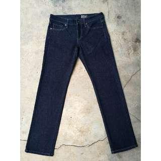 Uniqlo Skinny Jeans (Size 31)