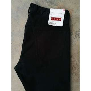 Uniqlo Slim Fit Jeans (Size 33)