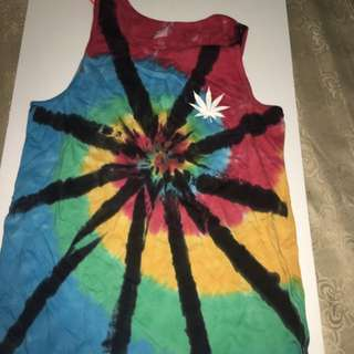 Free Huf tank tied dyed tank top when you spend 30$ or more at my store