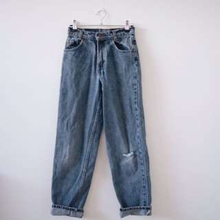 Vintage 535 Levis High waisted Mum Jeans!!