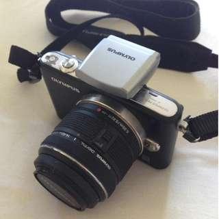 Olympus E-PM1 mirrorless camera