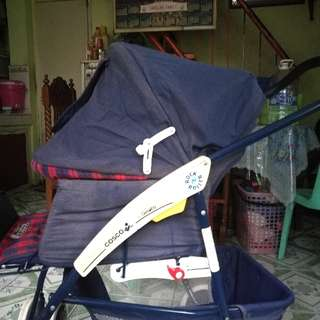 COSCO ROCK AND ROLLER STROLLER,, can rock and roll,pwede syang iduyan,duyan.