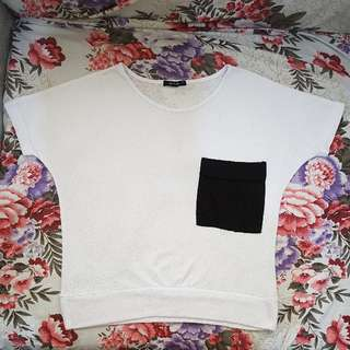 BLACK SHEEP | White Pocket Crop Top