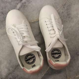 Shoopen PU leather sneaker