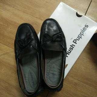 Sepatu Hush Pupies Size 40