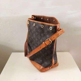 Louis Vuitton vintage bucket bag