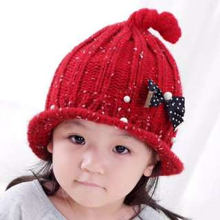 🚚 QF092 蝴蝶結珍珠奶嘴毛線帽 男女童秋冬保暖護耳帽