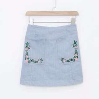🚚 碎花 繡花 藍色 口袋 A字 修身 顯瘦 拉鍊短裙