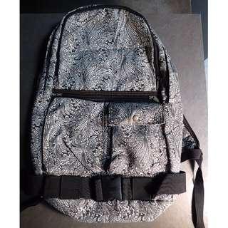 Backpack - Elegant, flocked paisley design