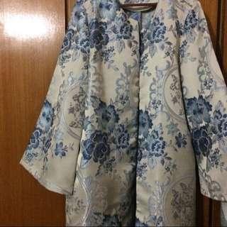 Looking for : Poplook brocade blazer