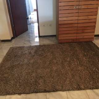 MOVING SALE - BIG DISCOUNT This new carpet shows a natural interplay of trendy colors with an elegant design.  Hand-woven to a velvet antique finish in 100% pure wool.  Genuine identity guaranteed by Ligne Pure's superior craftmanship.