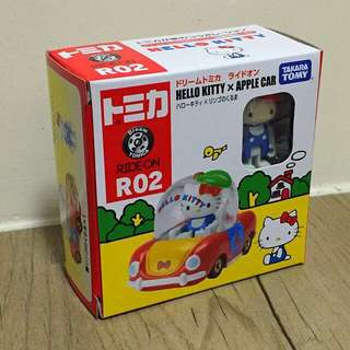 Dream Tomica R02 Hello Kitty x Apple Car 行版