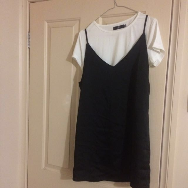 2 Piece Cropped T-shirt And Dress