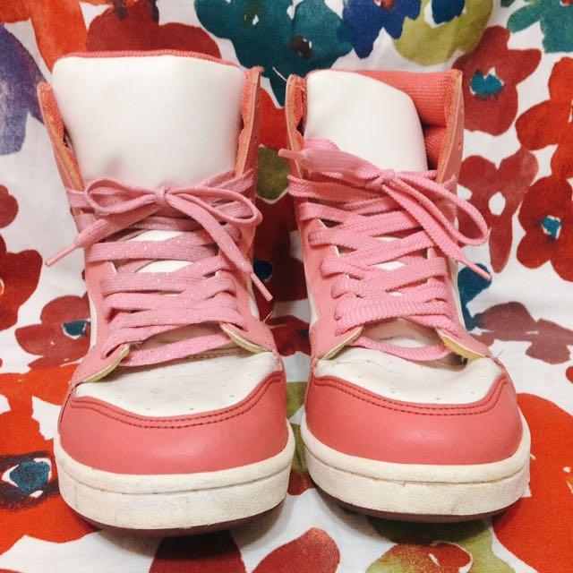 代售(38號)粉紅高筒球鞋