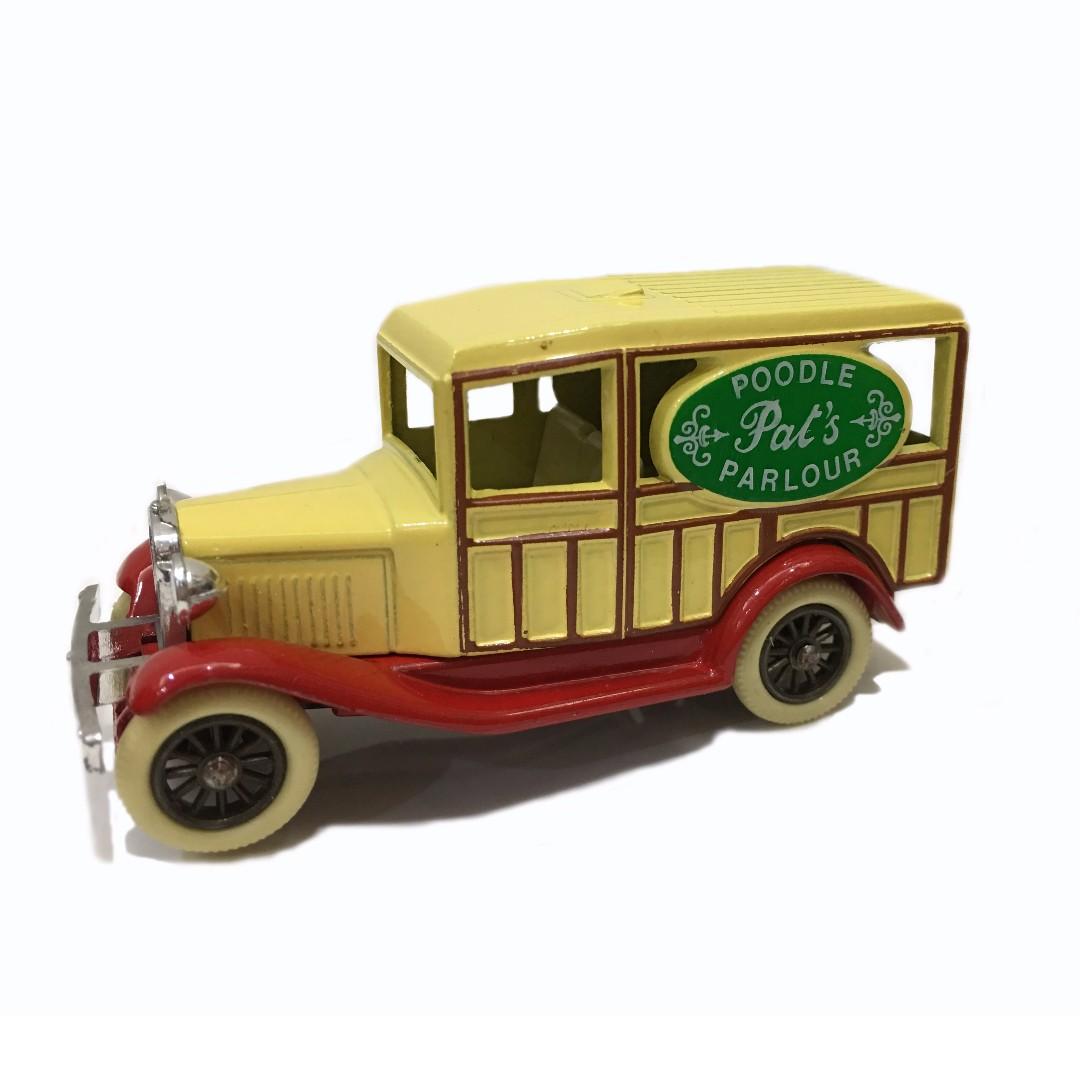 【英國製】復古老車款模型 Poodle Parlour