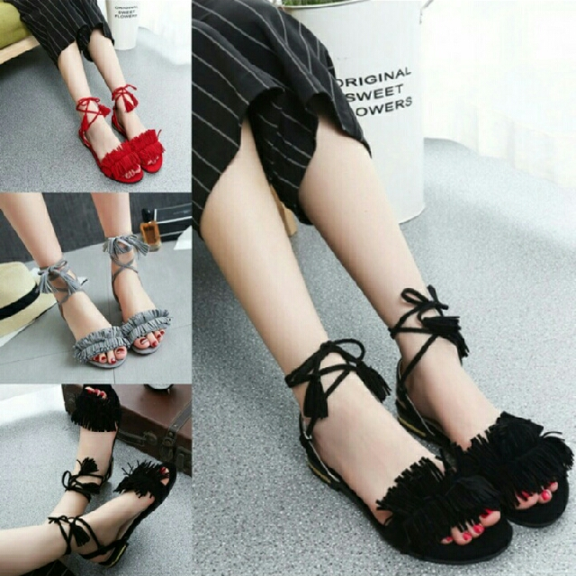 Aira Flatshoes With Ribbon