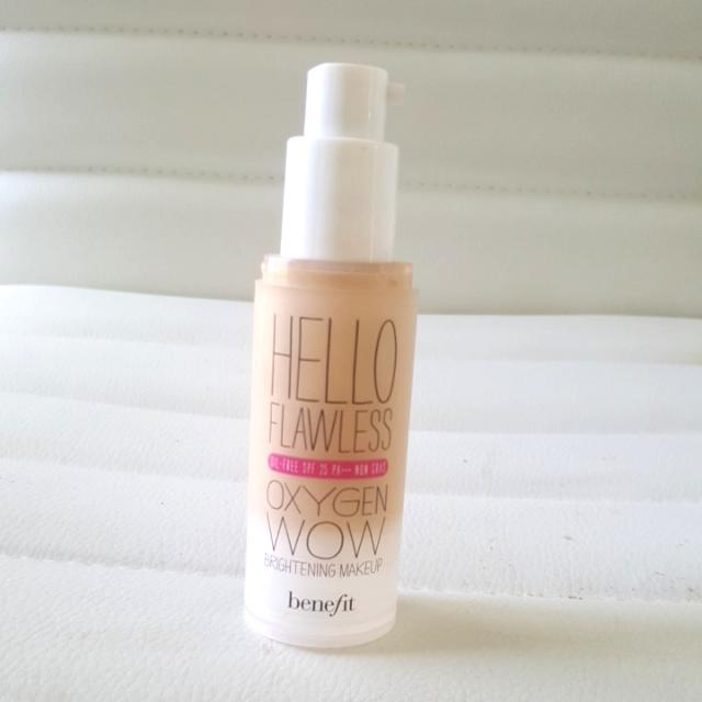 BENEFIT IVORY HELLO FLAWLESS FOUNDATION 🎀