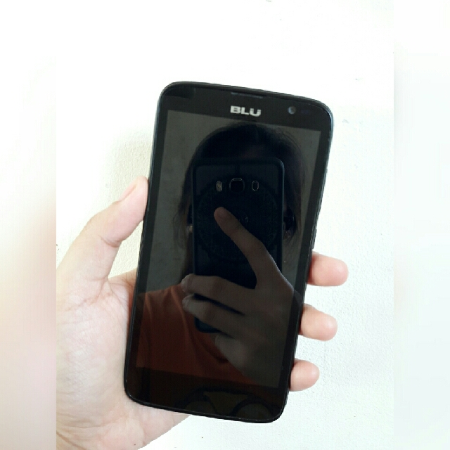 BLU ANDROID CELLPHONE
