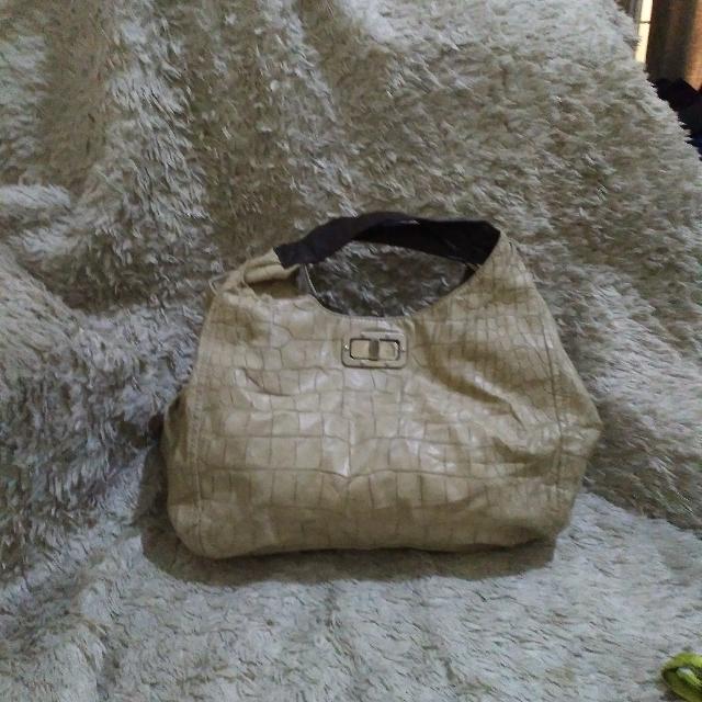 Cache Handbags