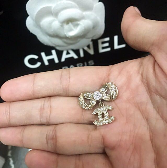 CHANEL 蝴蝶結耳環超美求包養