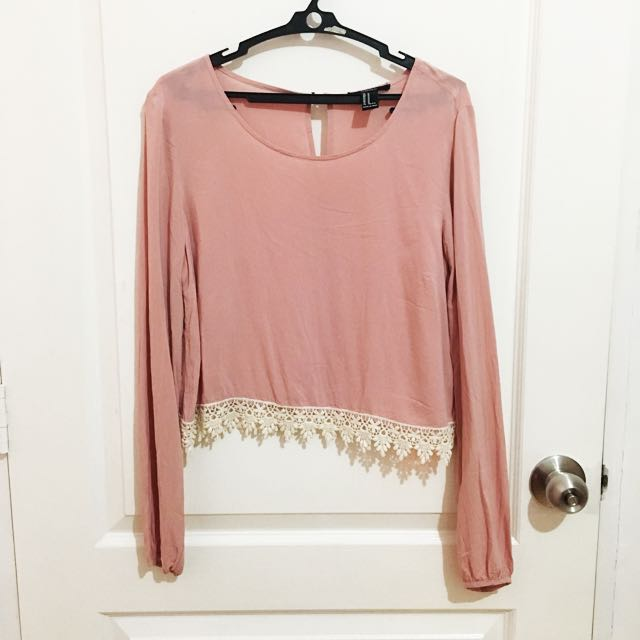 Forever21 cropped long sleeves with lace