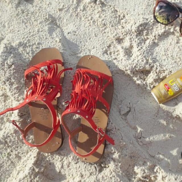 001897205 H M fringe sandals
