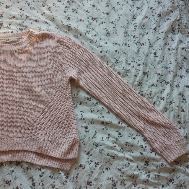 H&M pink soft knitted sweater