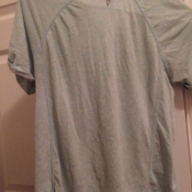 Ivivva athletica shirt w colourful pocket