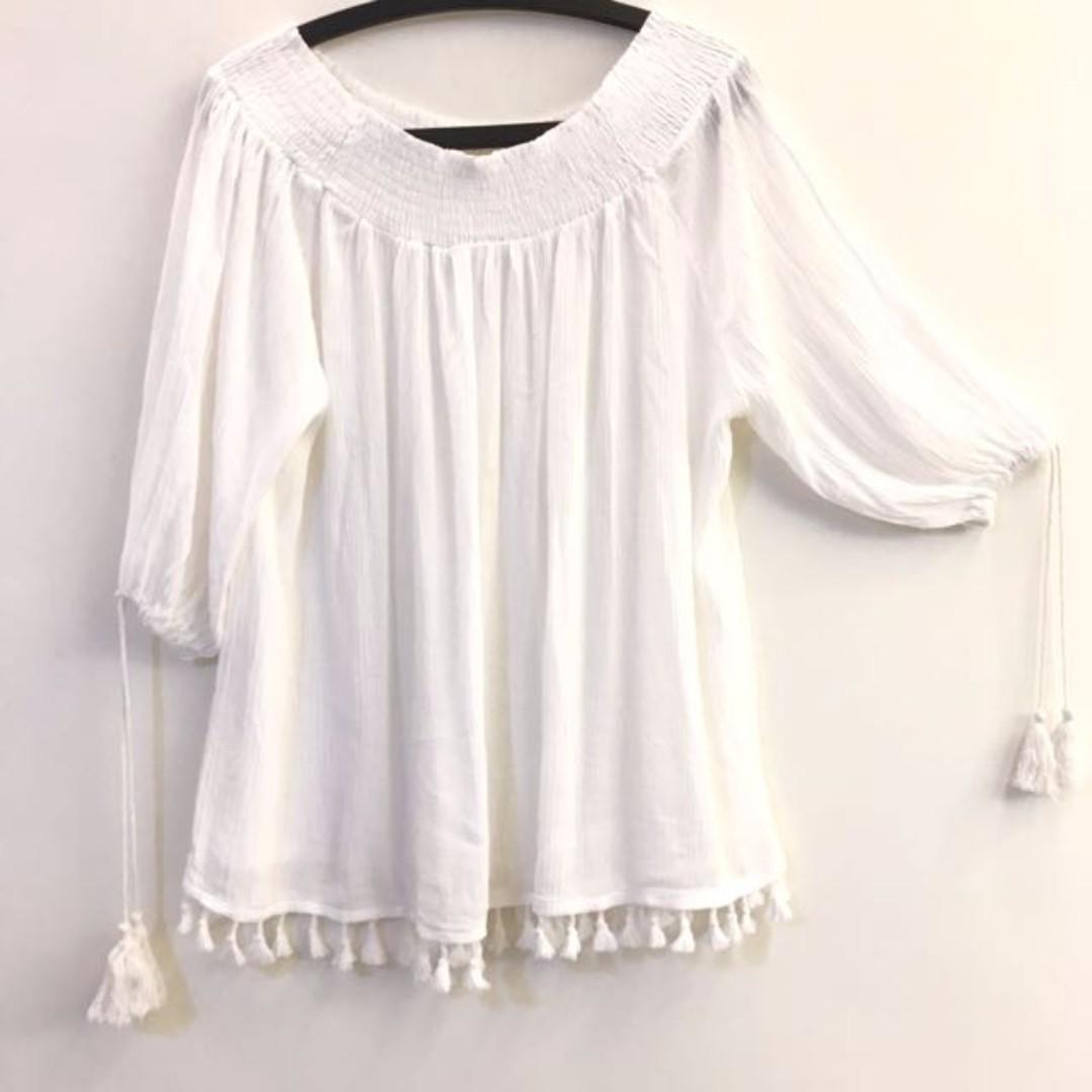 (Korea)平口 平肩 白色 鬚 七分袖 上衣