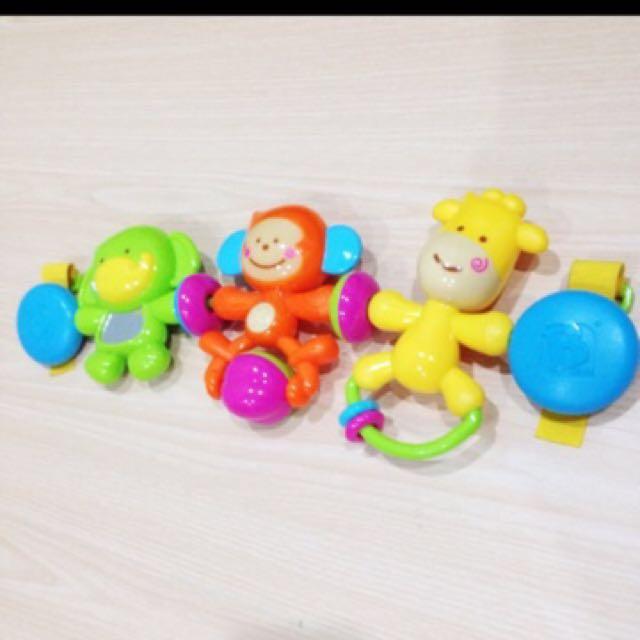 Mainan berbunyi depan stroler
