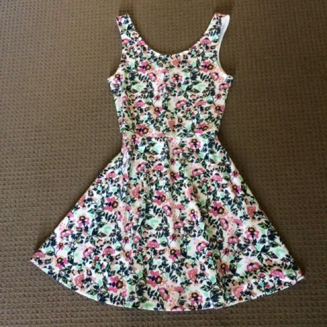 NEW H&M Floral summer dress