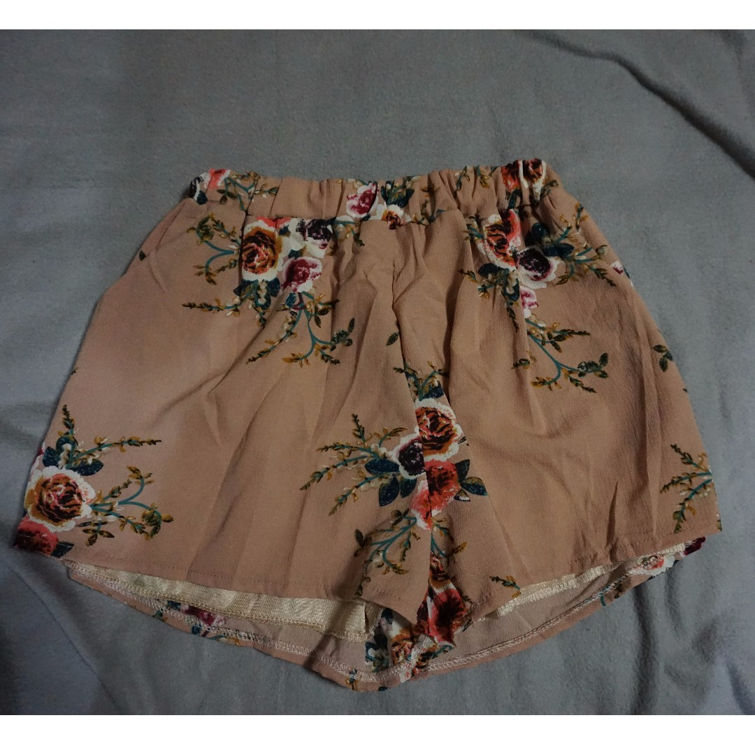 NUDE FLORAL SHORTS - ITEM #35