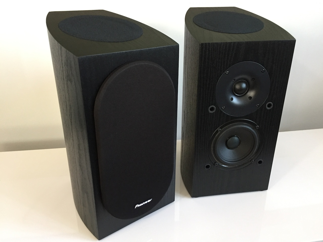 PIONEER SP BS22A LR Dolby Atmos Bookshelf Speakers Andrew Jones Electronics Audio On Carousell
