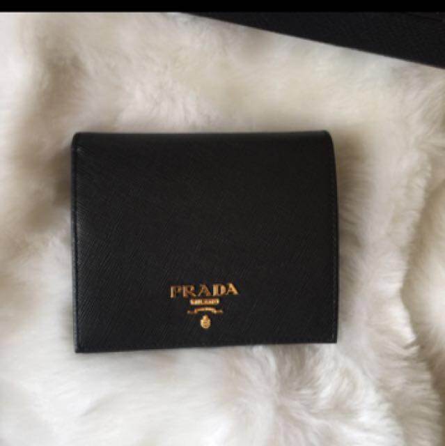 31af13079b25 Prada saffiano leather bifold wallet (Authentic), Women's Fashion, Bags &  Wallets on Carousell