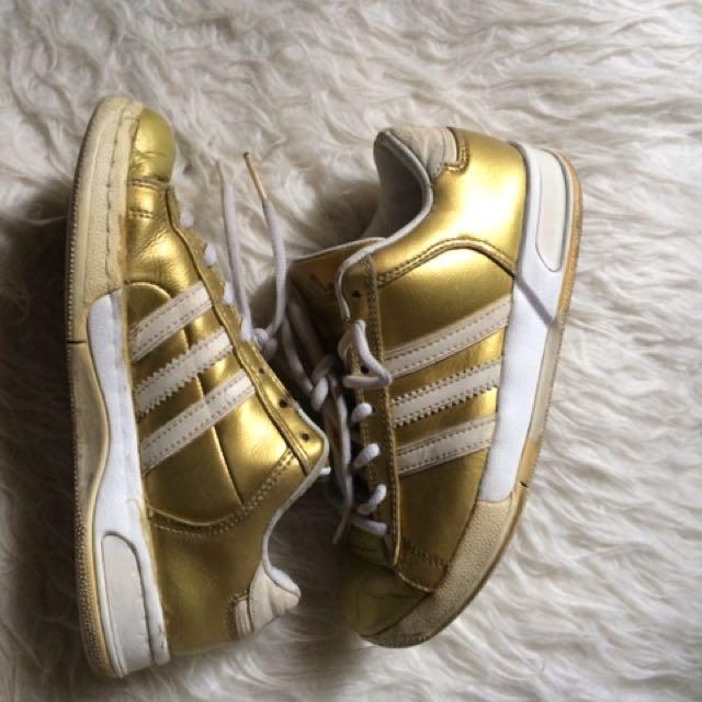 sepatu adidas gold